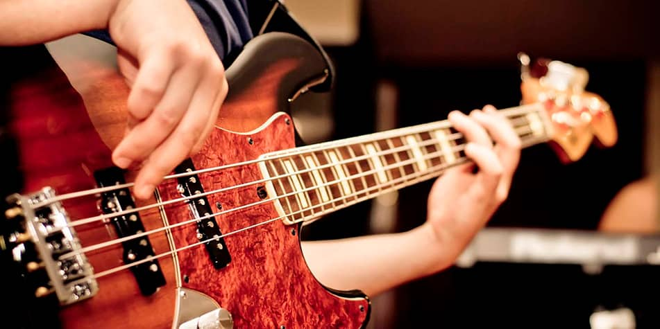 learn bass guitar brighton